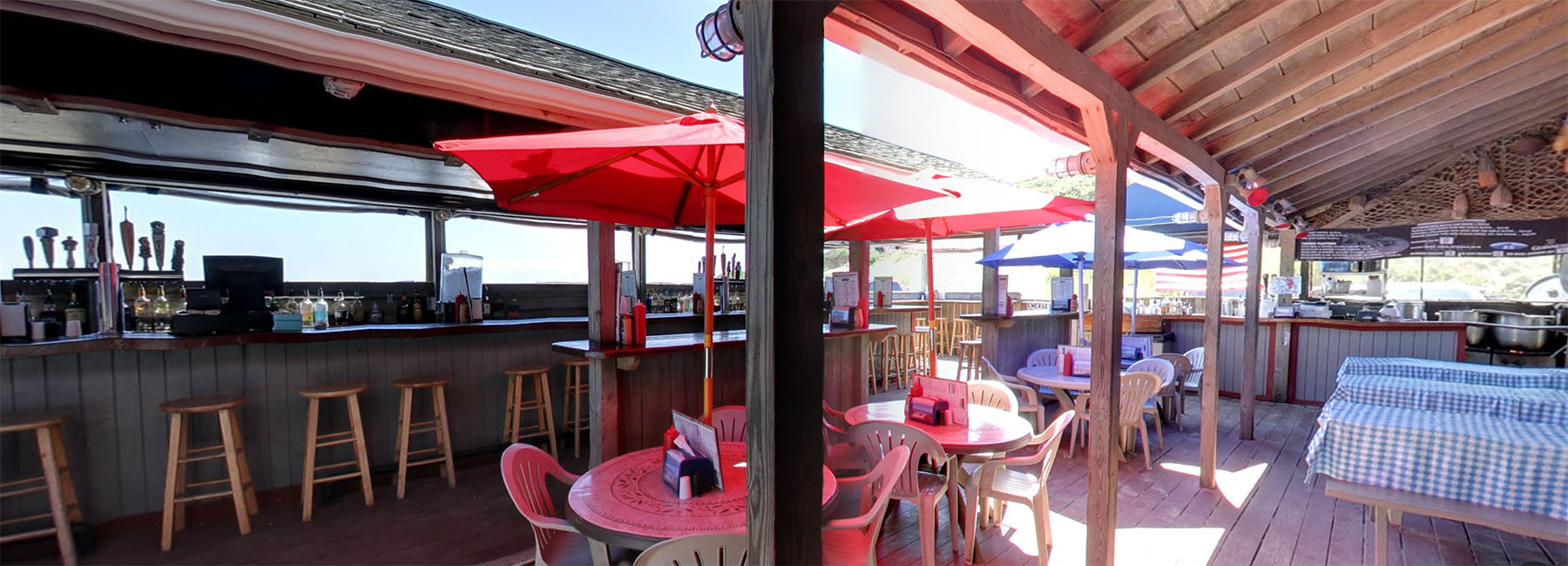 The Beachcomber Wellfleet Ma Beach Front Bar Seafood
